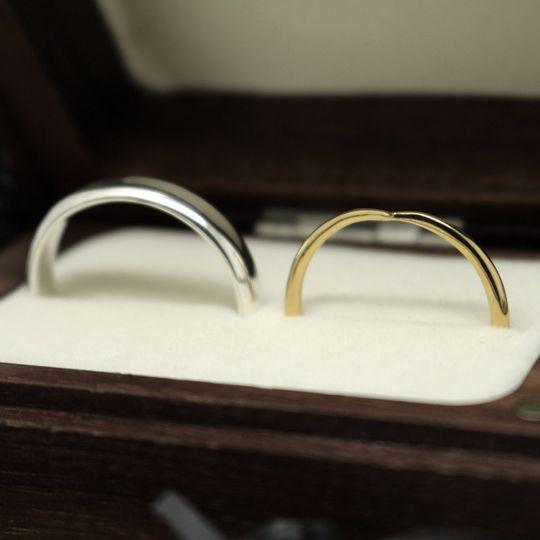 Sophisticated and subtle wedding bands