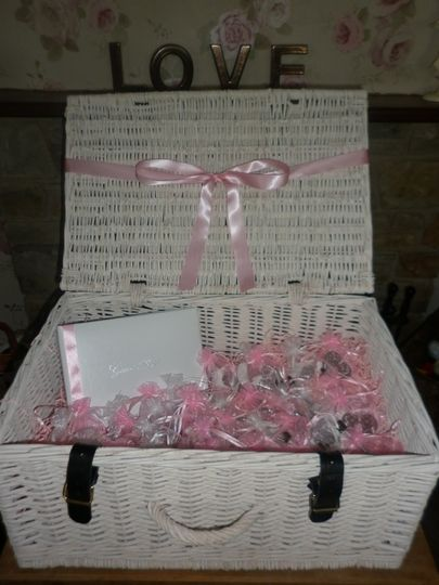Filled Pink & White Hamper