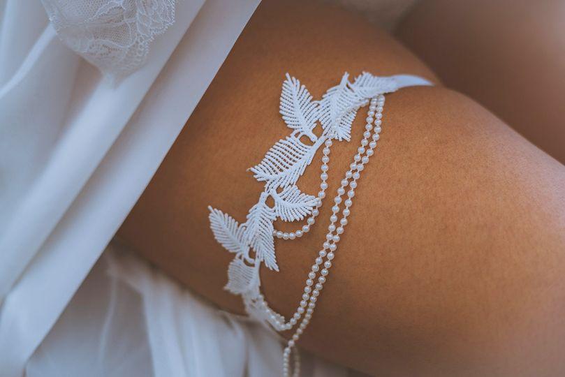 Dove Feather garter