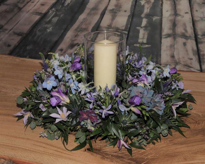 Romantic table arrangement