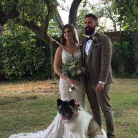 Wedding photoshoot with a dog