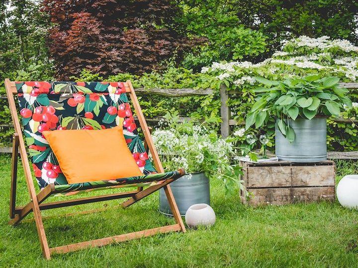 Deckchair with cushion