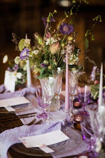 Lilac table decor