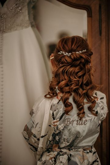 The hair and the dress - Twigs Branch Photography