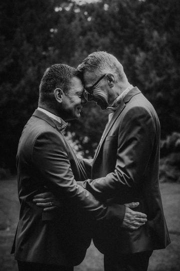 An emotional embrace - Twigs Branch Photography