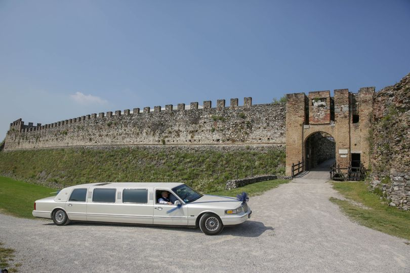 Limo bridal car