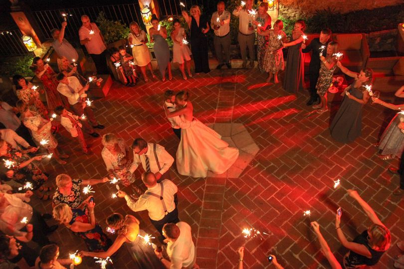 Sparklers for the 1st dance
