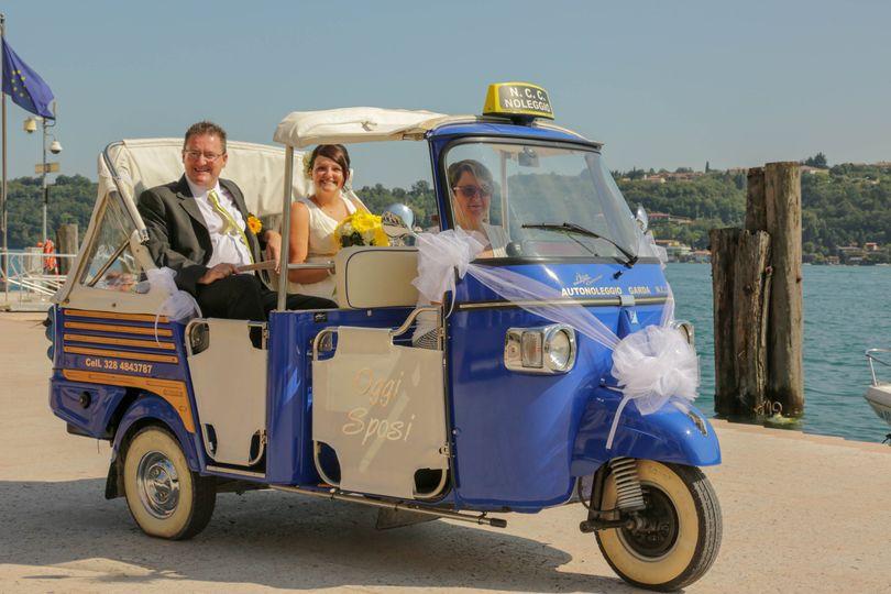 Tuk tuk bridal car