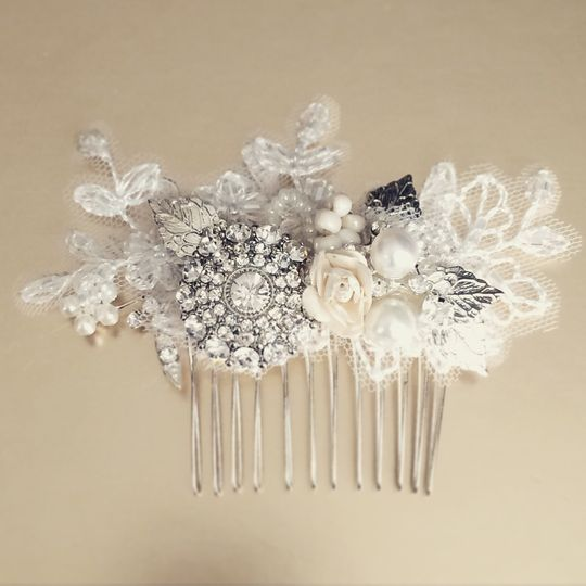 Lace crystal comb