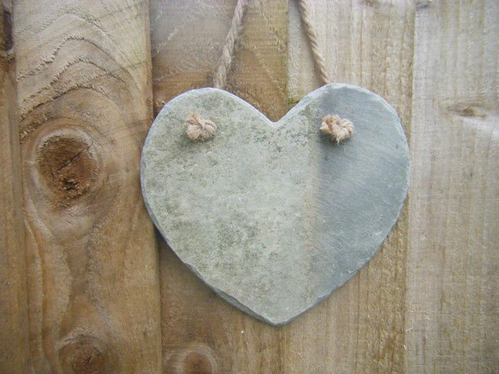Reclaimed Cornish slate heart with thick twine