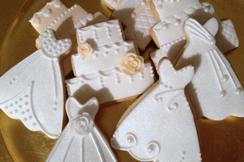 Wedding dress and cake cookies