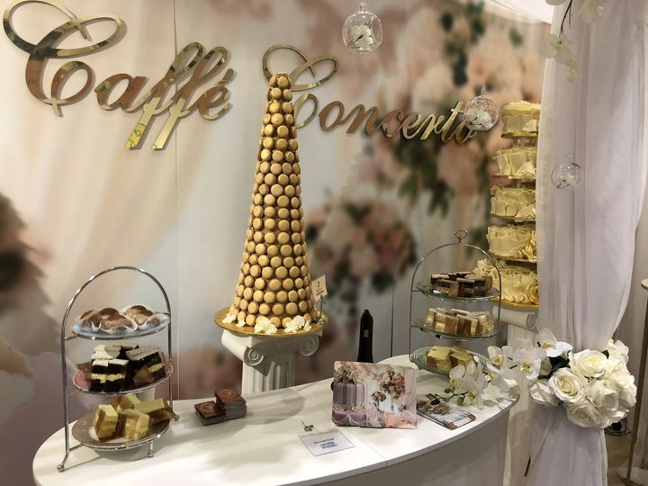 Bridal expo stand set up