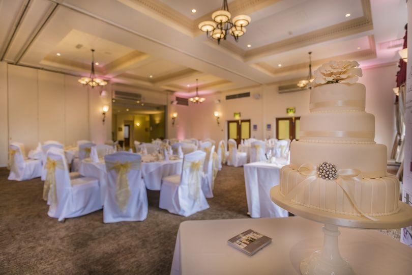 Wedding cake and seating