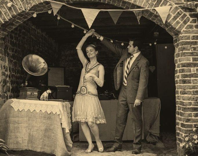1920s Bride & Groom dancing