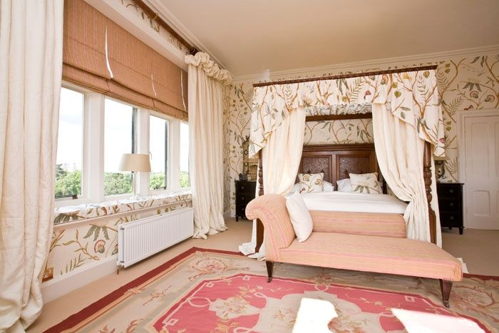 Baroness Bridal Suite