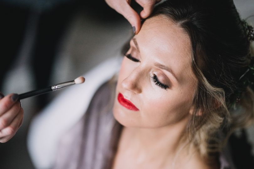 Glamourous wedding makeup