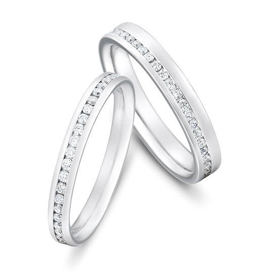 central offset brilliant cut diamond bands 4 106166