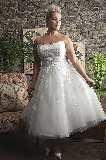 Callista Range for Brides with Curves1