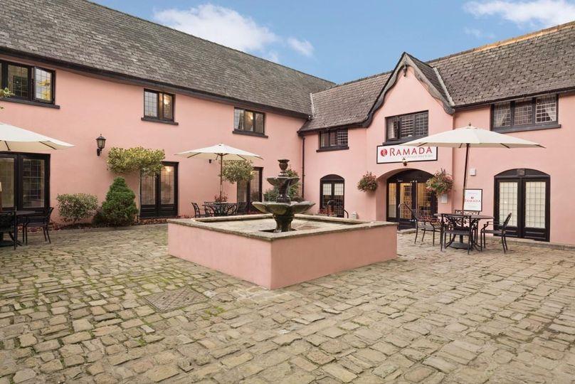Cwrt Bleddyn Hotel & Spa 2