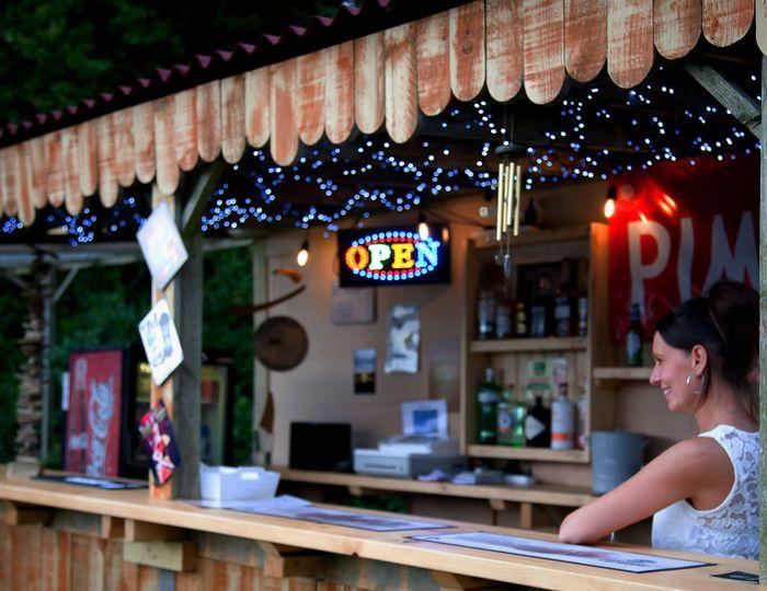 Al fresco bar