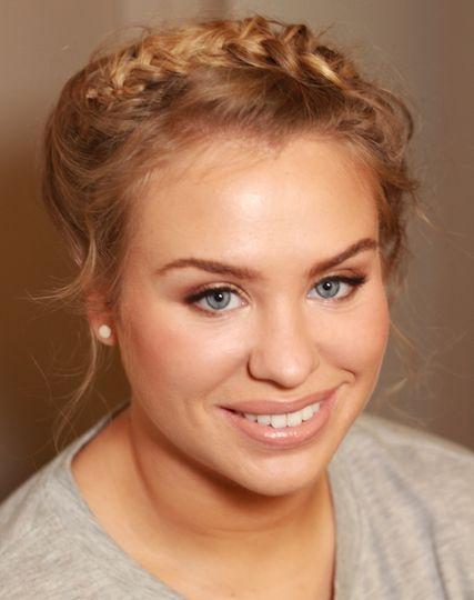 Beauty, Hair & Make Up Hair and Make-up 4 u by Amanda Roberts 102