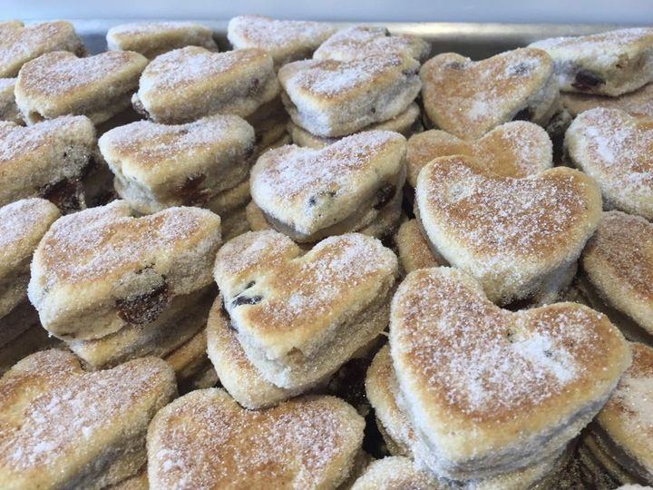 welsh cake hut wedding favour 4 276247 160252380127780