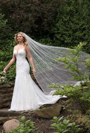 Essense of Australia dress with veil