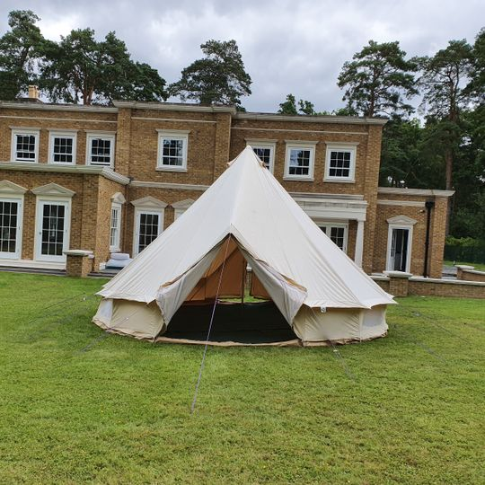 Glamping bell tent hire