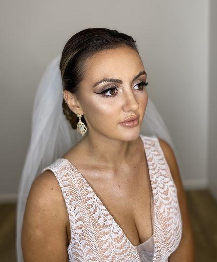 Sleek makeup style