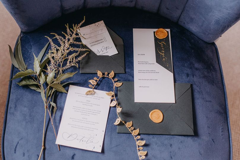 Gatsby-inspired invitation suite