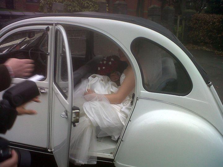 Bride in the Alpine White Citroen 2CV