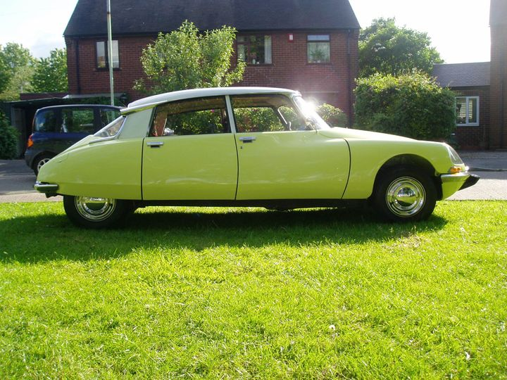 Two Tone Yellow and White Citroen DS