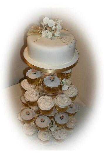 Cupcakes on 5 tier stand