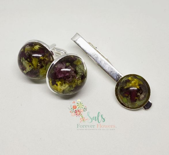 Flowered jewellery