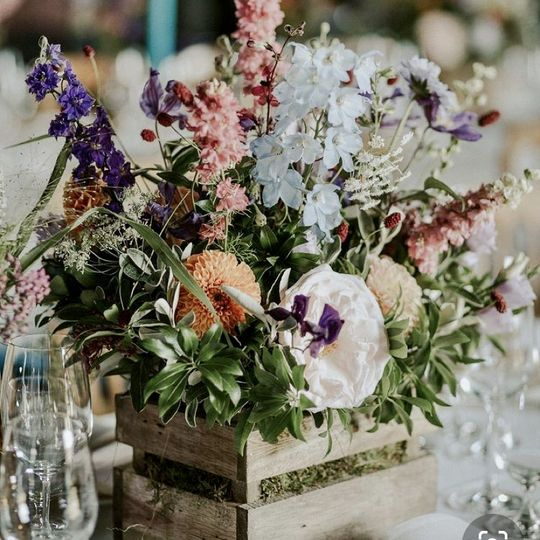 Beautiful rustic table flowers