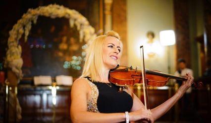 Hayley Pomfrett - Wedding Violinist