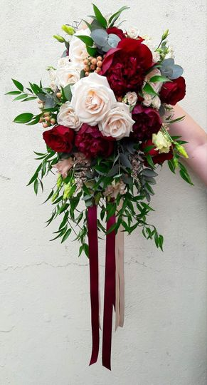 Striking and classy bouquet