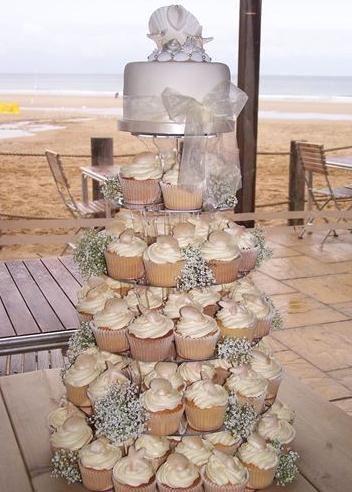 Seashells cupcake tower