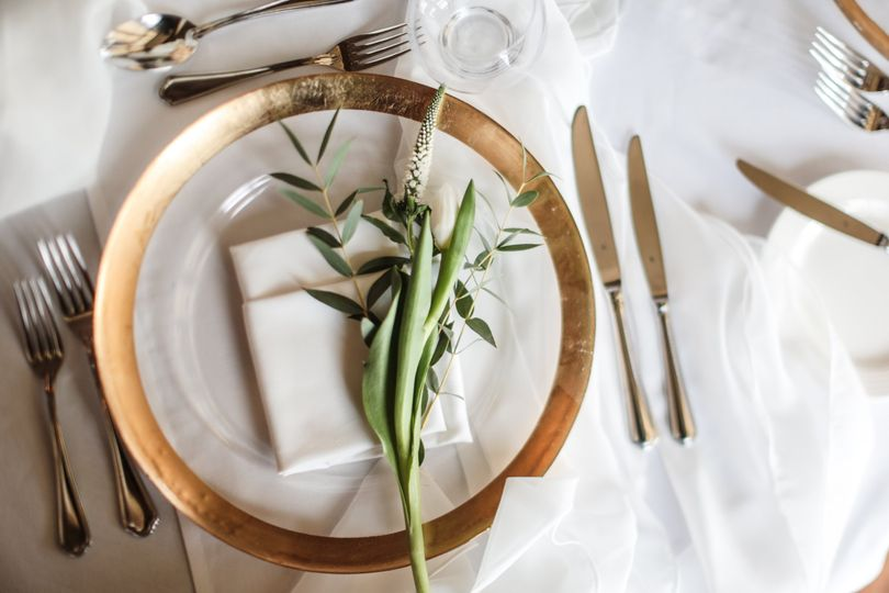 A simply stunning place setting