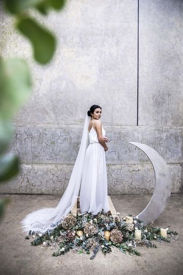 Bride wearing a Rhea veil