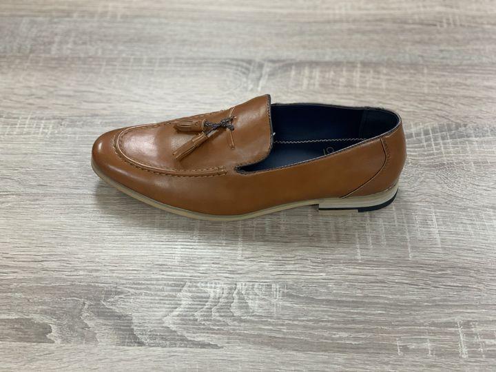 Cavani tan loafer