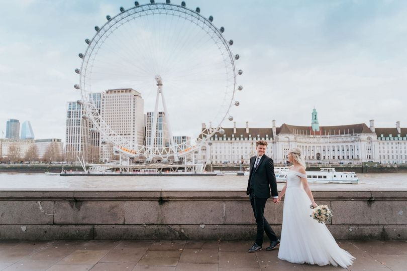 Walking by the Thames - Epic Moments Photography