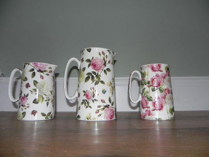 Flowery jugs