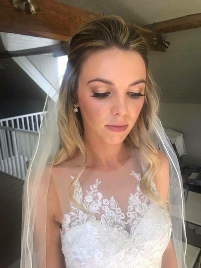 Beauty, Hair & Make Up Izzy Foster- Wild Hair & Make-up Artist 98