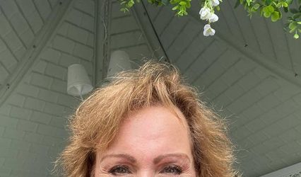 Amanda-Louise Knight Celebrant and Wedding Planner 1