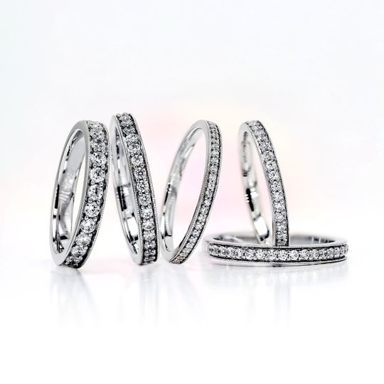 AVA Grain set diamond rings