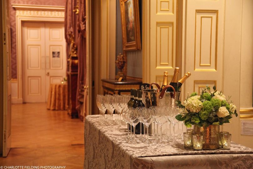 The Drawing Room Suite galleries are ready to welcome your guests for a sumptuous drinks reception