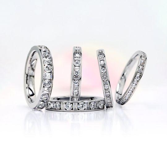 Round diamond rings