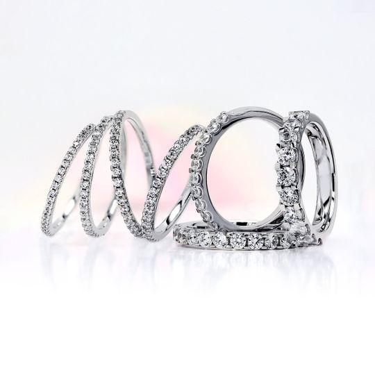 Claw set diamond rings