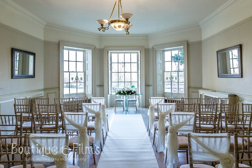 The Lakeview Lounge - Scott Miller Photography